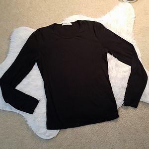 Black ribbed long sleeved shirt